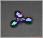 Fidget Spinner, con quay 3 cánh (làm từ thép không gỉ), giúp người dùng xả stress