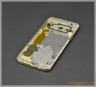 Thay vỏ Samsung Galaxy A8 màu vàng champagne